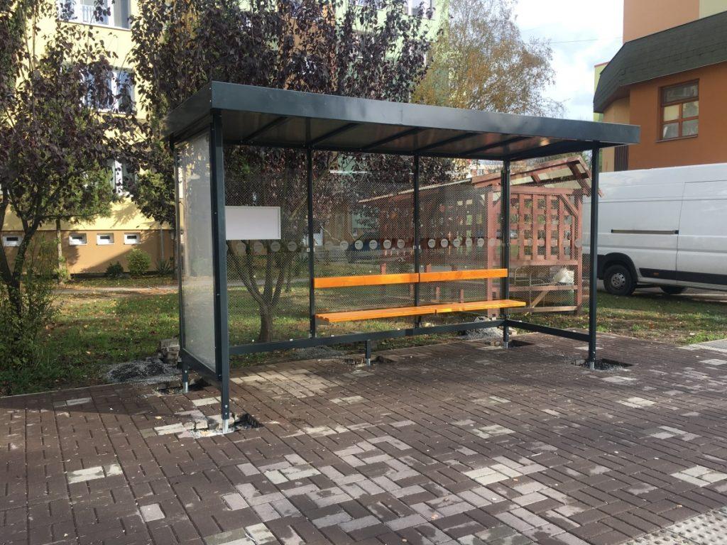 predaj-a-vyroba-autobusove-zastavky-LARA-2A-s-prislusenstvom-citylight-lavicka-s-operadlom