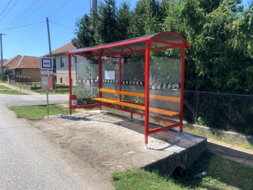 autobusova-zastavka-laura-pristresky-abris-11
