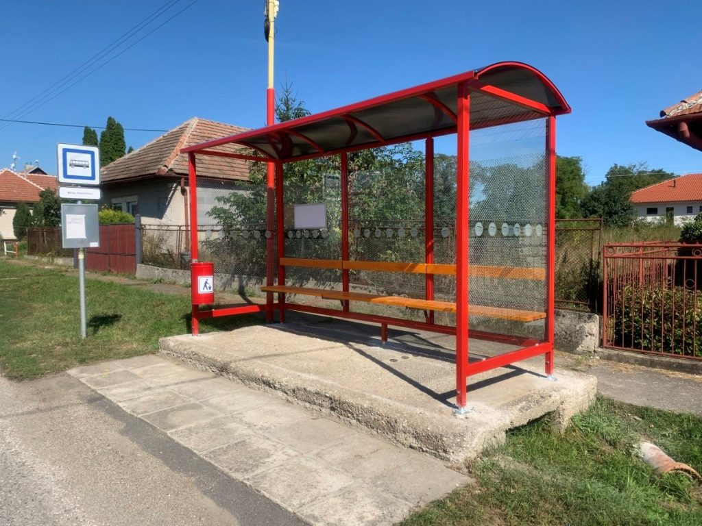 autobusova-zastavka-laura-pristresky-abris-19