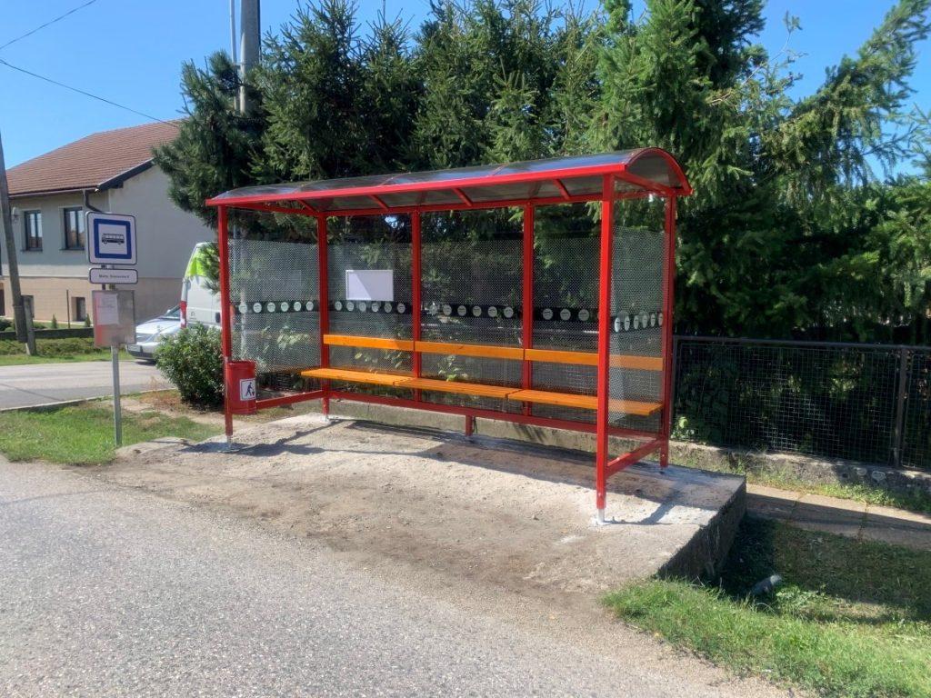 autobusova-zastavka-laura-pristresky-abris-8